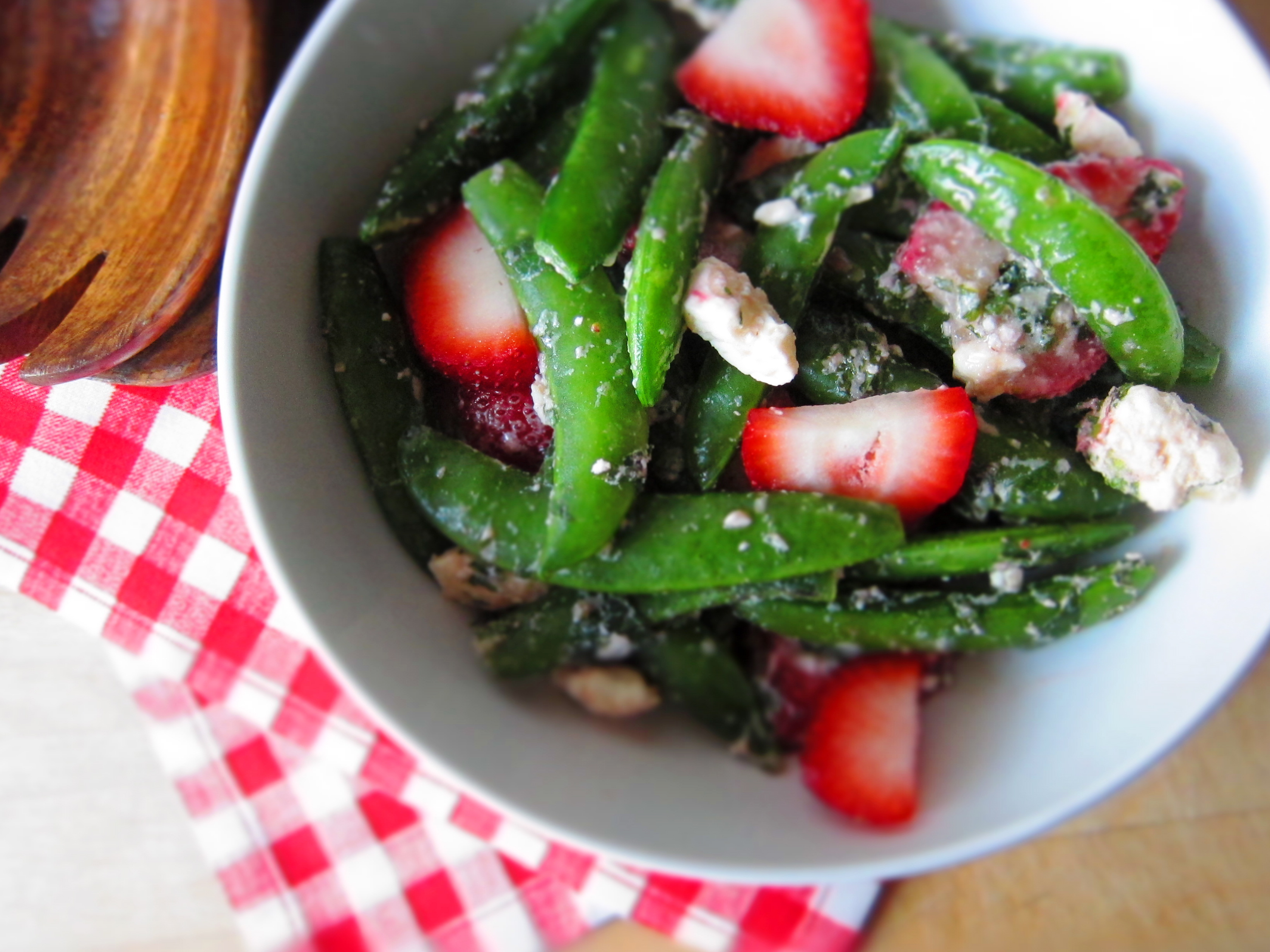 sugar snap pea salad with mint, feta + strawberries | Top of the Apple